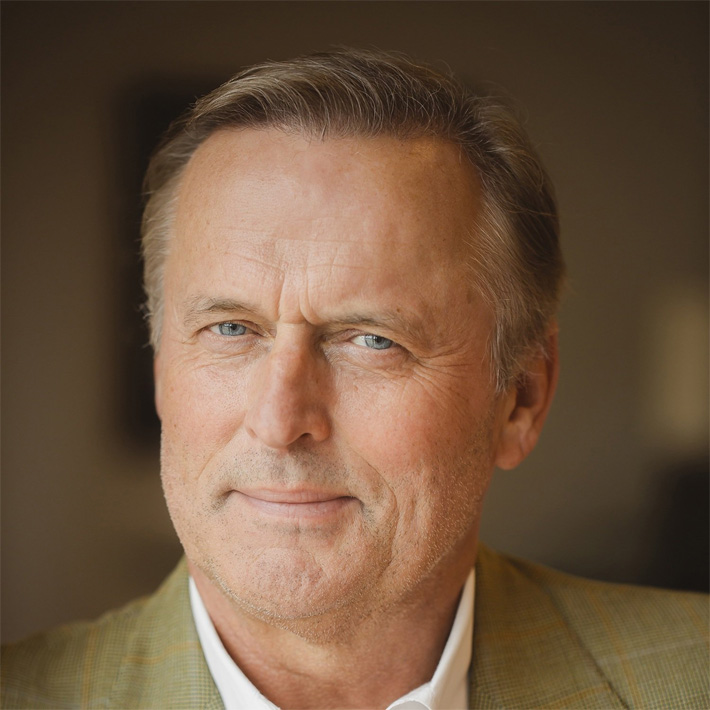 https://twitter.com/johngrisham