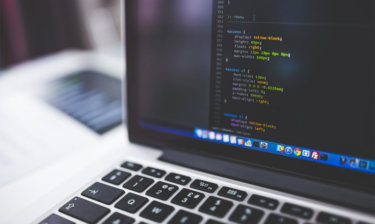 Jak nauczyć się programować – darmowe kursy irady ekspertów