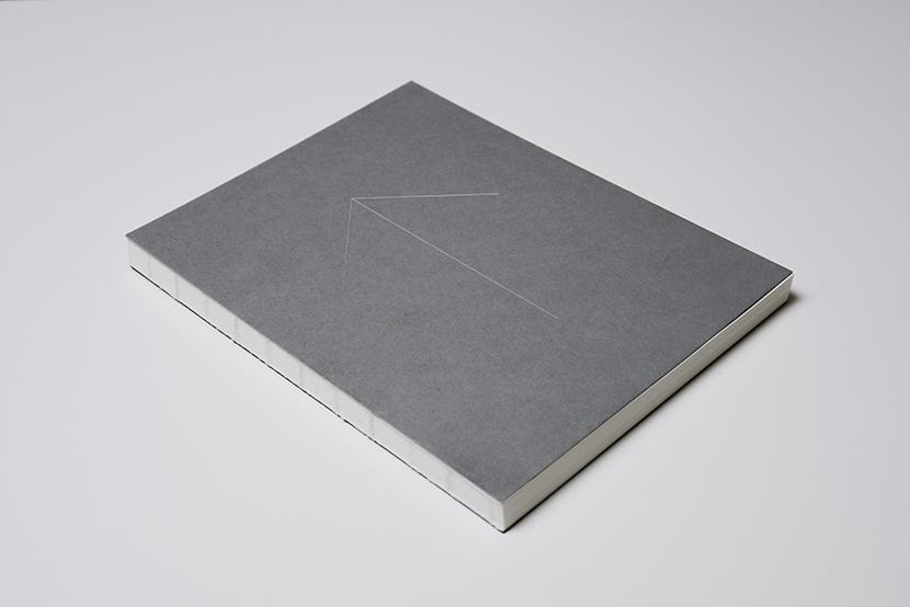 N/T/S Plain- minimalistyczny notatnik w kropki